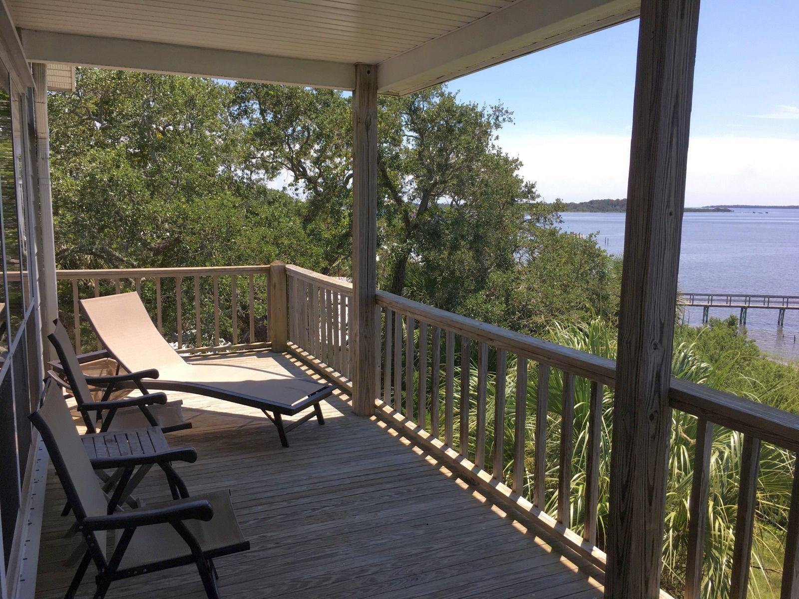Seahorse Landing Condominium Rentals in Cedar Key FL
